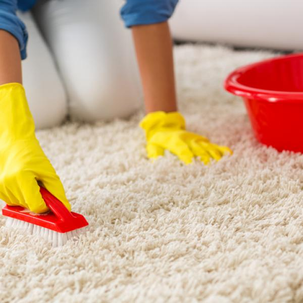 التنظيف الذاتي في المنزل
